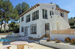 Luxury villas for sale and rent in Spain