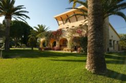 Beautiful Villa with Landscaped Gardens in Denia
