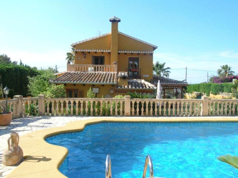 Spacious 5 bedroom Family Villa in Dénia